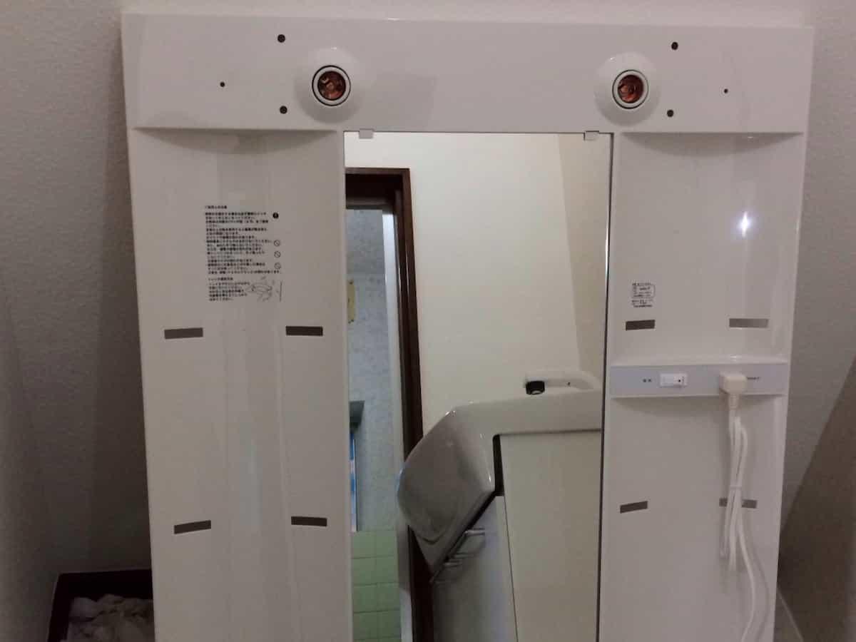 洗面化粧台のミラーキャビネット部分(鏡台)