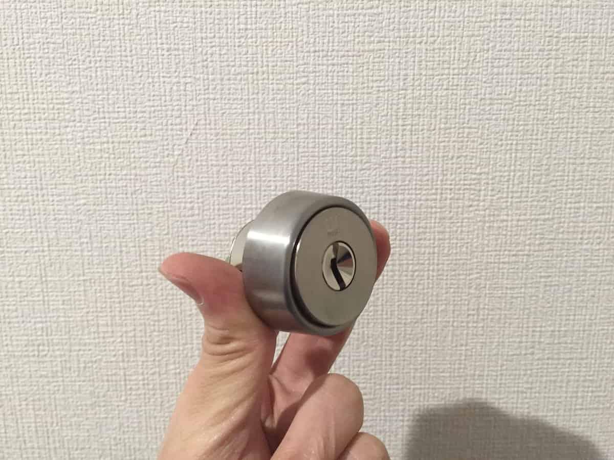 ツメ部分を加工した新しい鍵シリンダー