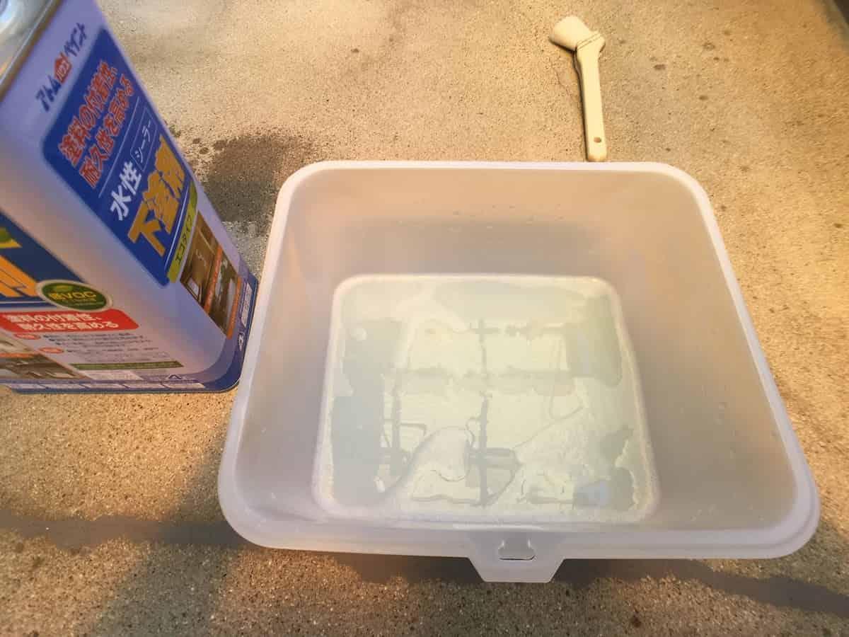 アトムハウスペイントの水性シーラー下塗剤