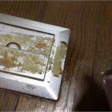 シールやガムテープを剥がしたあとのベタベタした粘着汚れ落としの方法