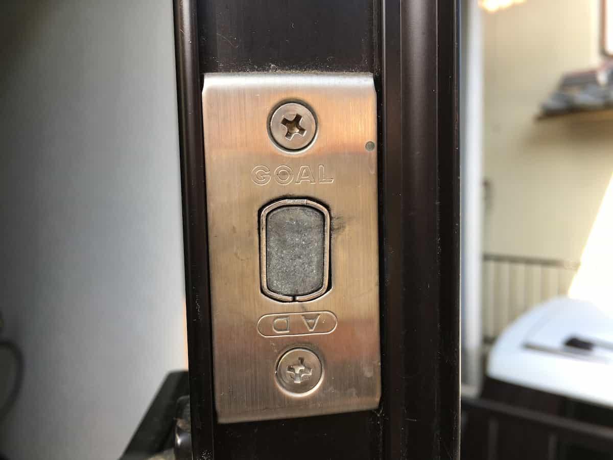 玄関扉の鍵シリンダーGOAL ADの刻印
