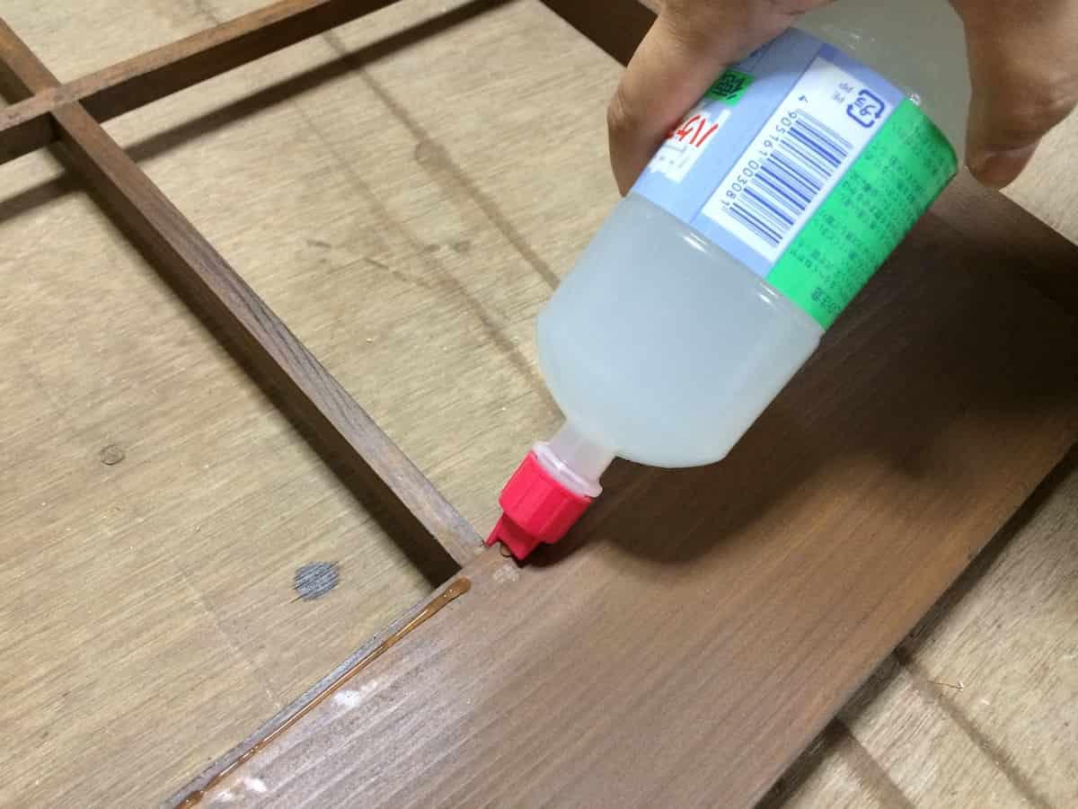 障子の張替えの木枠へののり付けに便利なハケノン