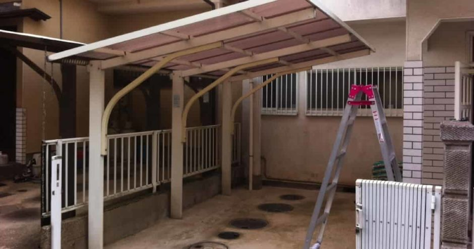 カーポートやベランダの屋根の波板をDIYで張り替える方法・手順・費用まとめ
