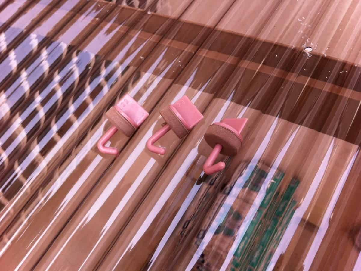波板を固定するためのフック