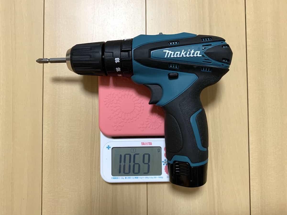 マキタの10.8V震動ドライバドリルHP330D(振動ドライバー)の重量