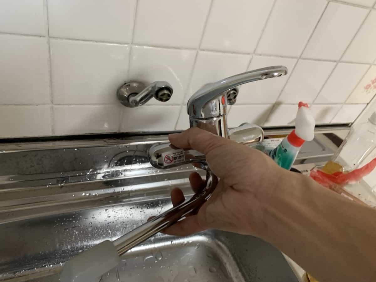 水栓本体が外れる様子