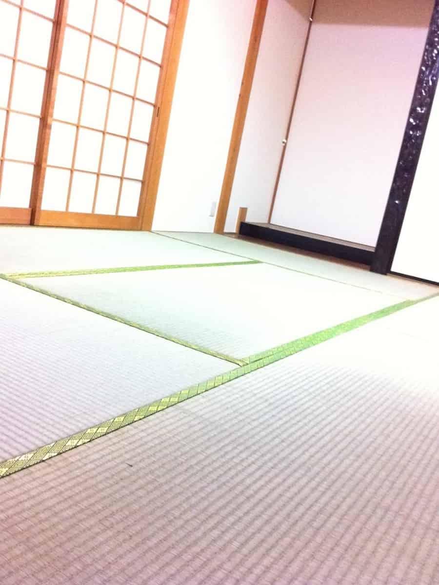 畳表替え後の畳表面