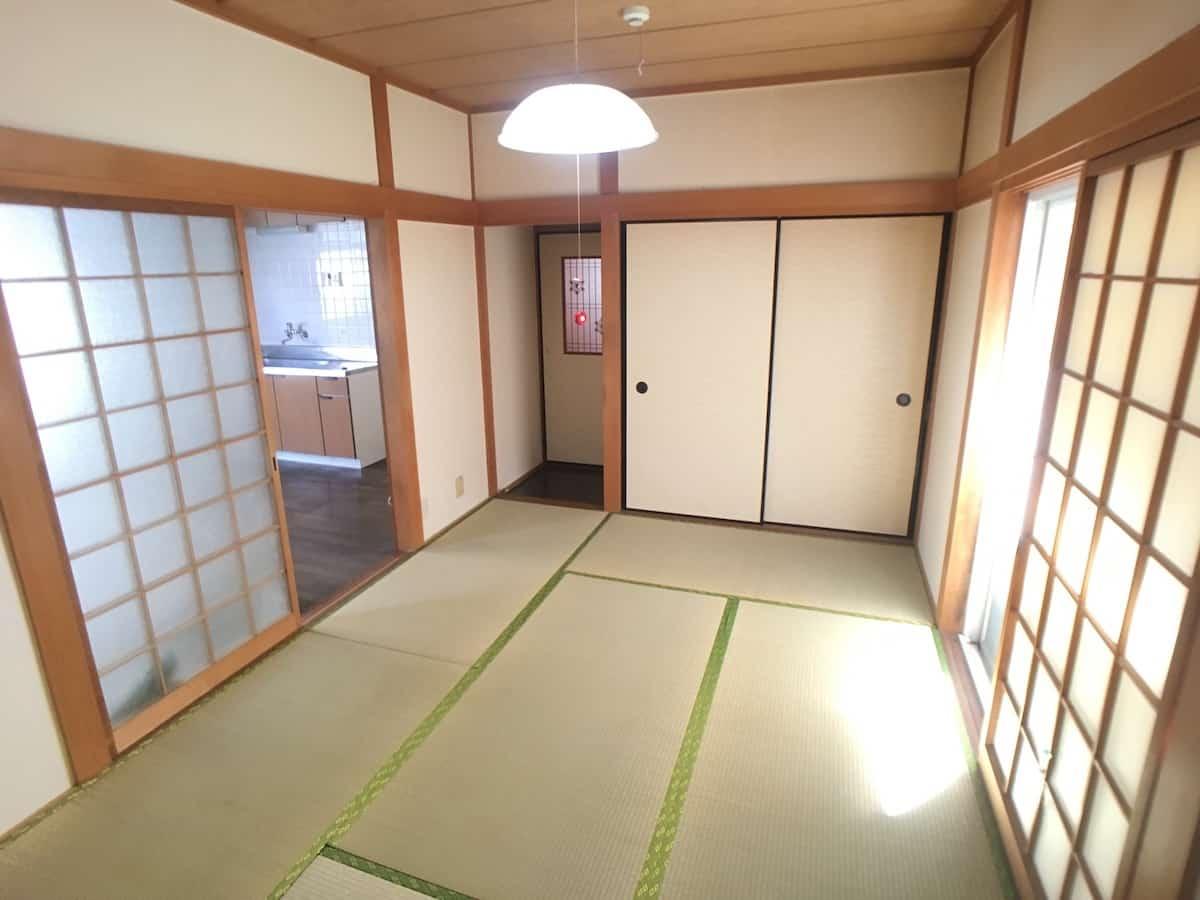 畳表替え前の和室の様子