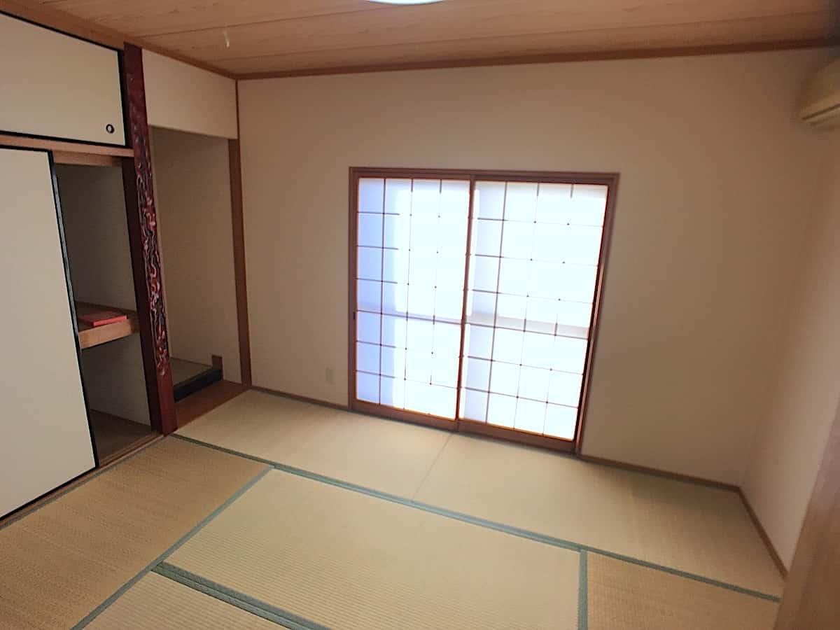 畳表替え前の和室