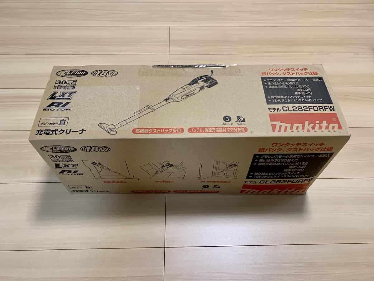 マキタ18V最上位モデルコードレス掃除機CL282FDRFWの外箱