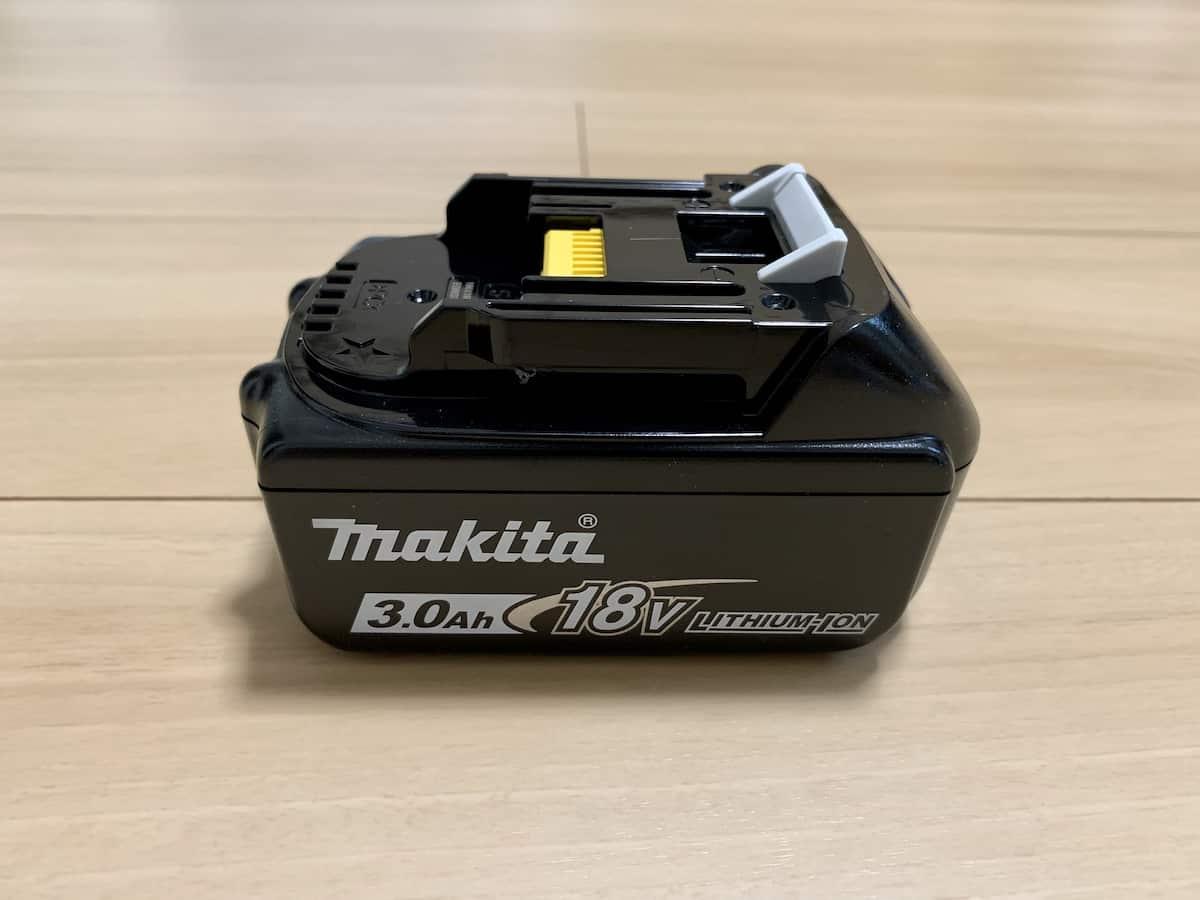 マキタ18V最上位モデルコードレス掃除機CL282FDRFWの3.0Ahバッテリー