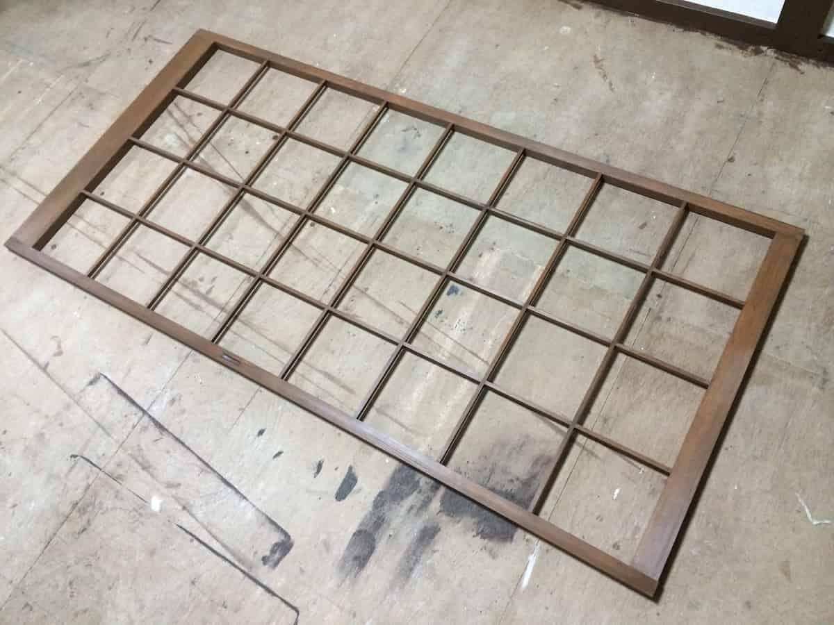 障子の木枠の塗装