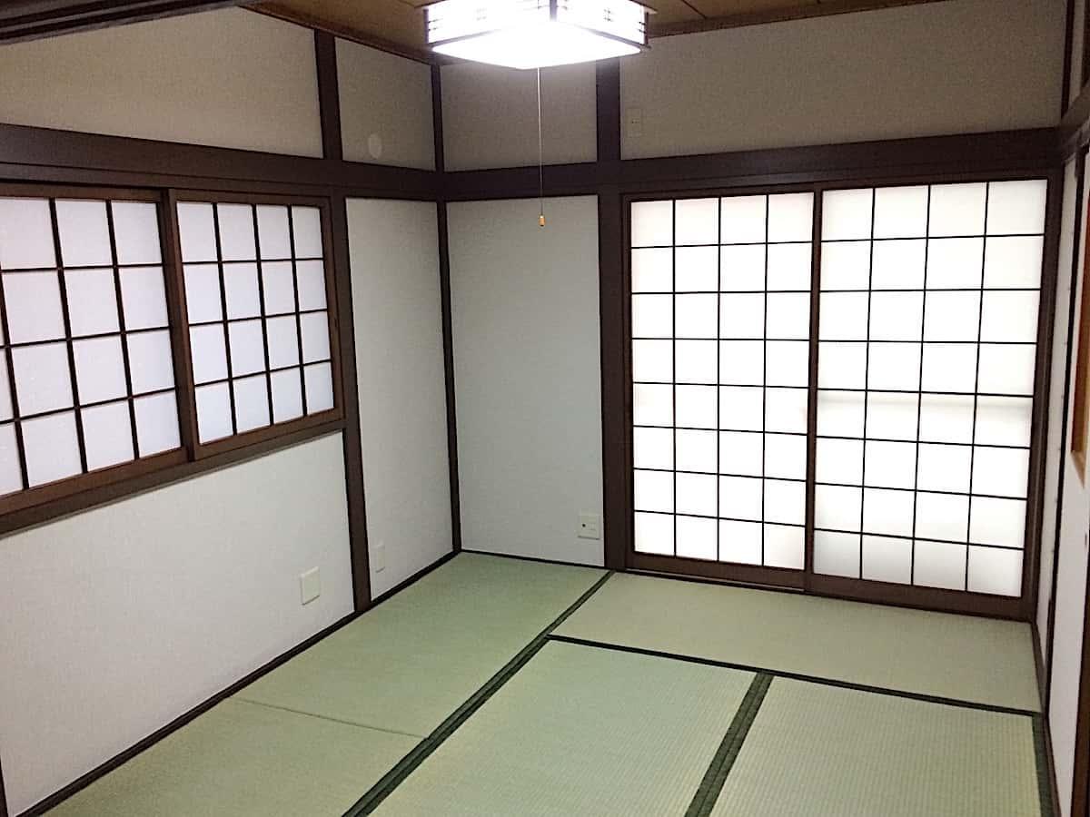 木部塗装後の和室