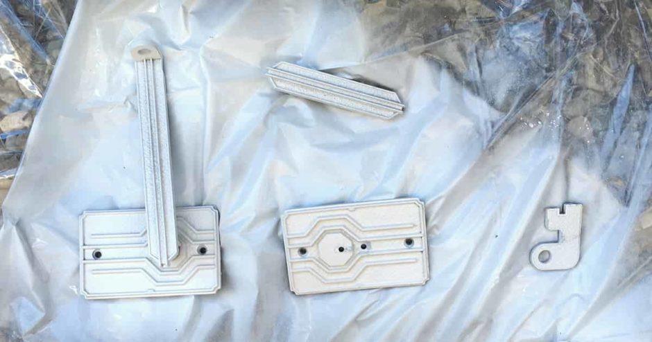 門扉の取っ手をスプレーでペンキ塗装する方法