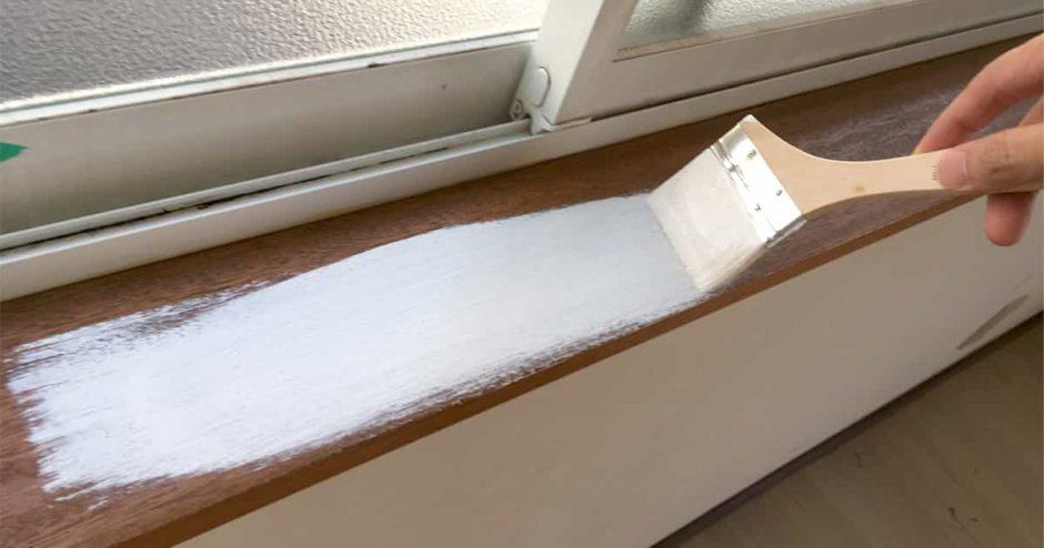 キッチンカウンターや窓枠、ドア枠の木部をDIYでペンキ塗装する方法